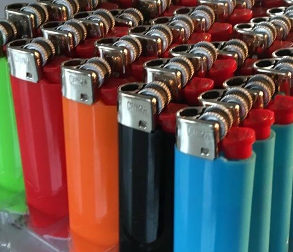 """flint gas lighter same """"BIC"""""""