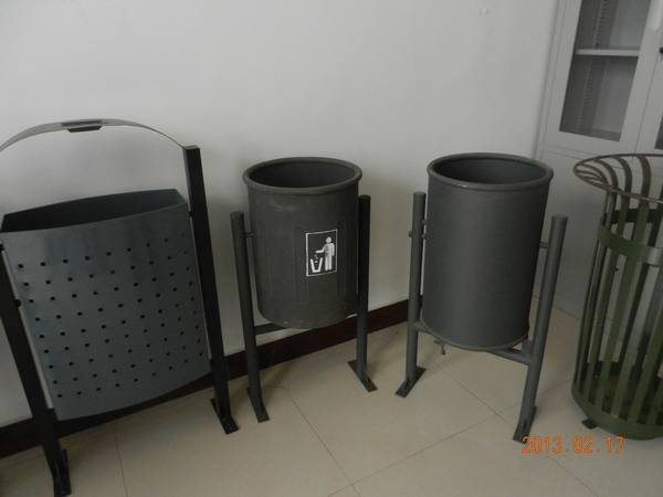 Dustbin/trash bin/garbage can