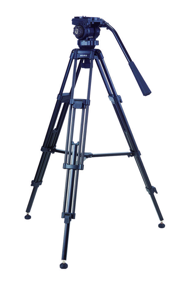 WAKO Q3 pan and tilt fluid head tripod