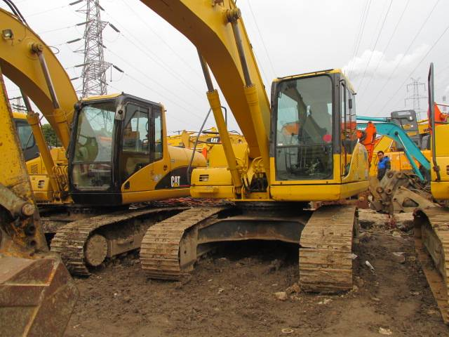 Used KOMATSU Excavator PC200-7,original from japan