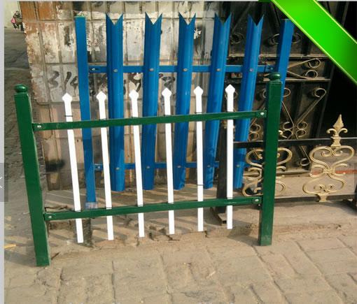 plastic coated palisade fence
