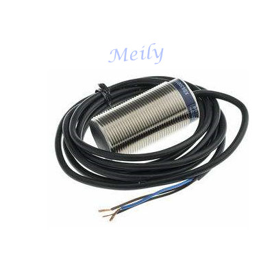 Telemecanique proximity sensor XSAV11801, big sale