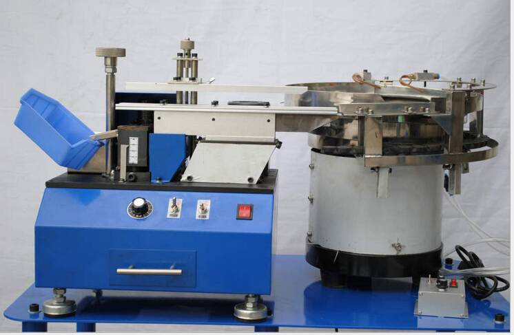 Automatic Loose Radial Capacitor/LED lead Cutting machine