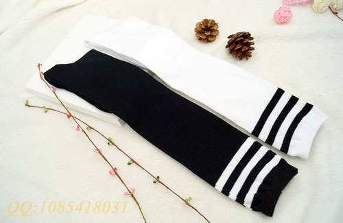 Long classic students socks with three stripe From China socks supplier