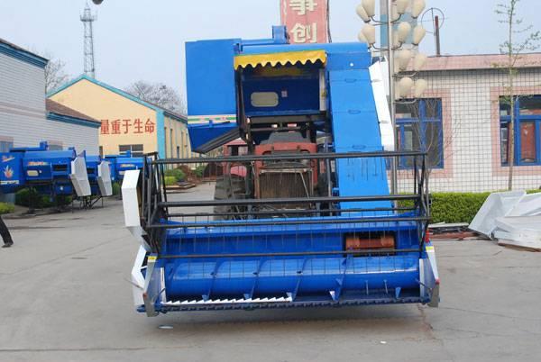 4L-2.8 Knapsack Grain Combine Harvester