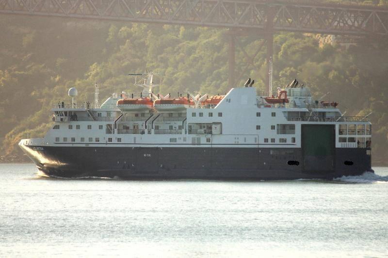Passenger CAR ferry,750 Passengers, 2009 Ref C4460