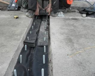 Bridge expansion joint/The processing of bridge expansion joint/bridge expansion joint made in China