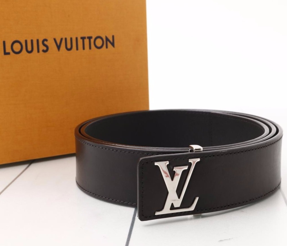Used original Brand LOUIS VUITTON M9076U Saint Germain Black Leather Belt for bulk sale.
