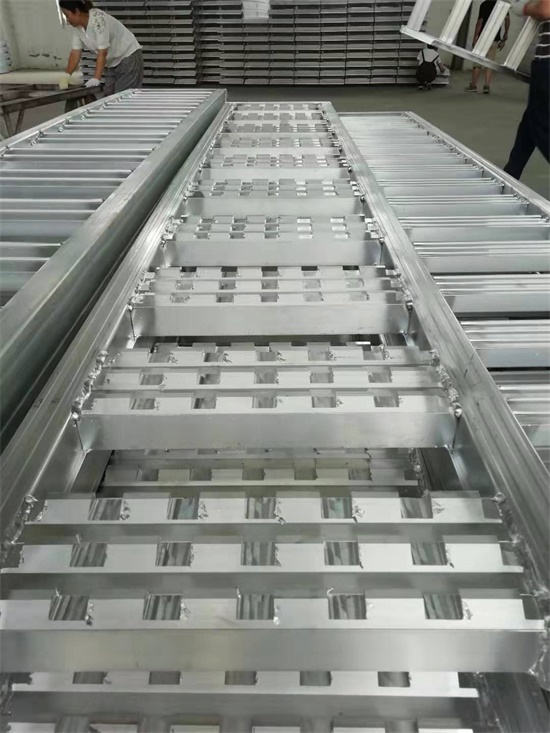 portable loading ramps for excavator