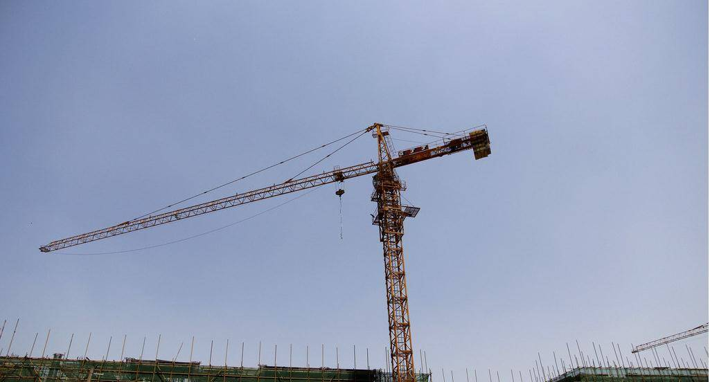 2016 Hengqi 180 tons crawler crane for sale with best quality and price