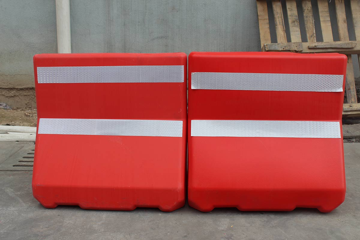 Flexible Plastic Barriers anti-collison pe road barriers with water filled