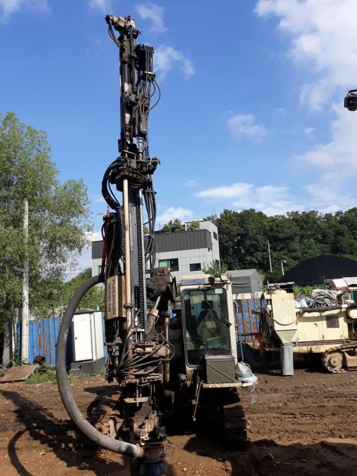Used crawler drill machine FURUKAWA HCR-10DS