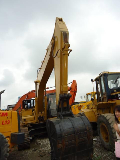 CAT 330D excavator