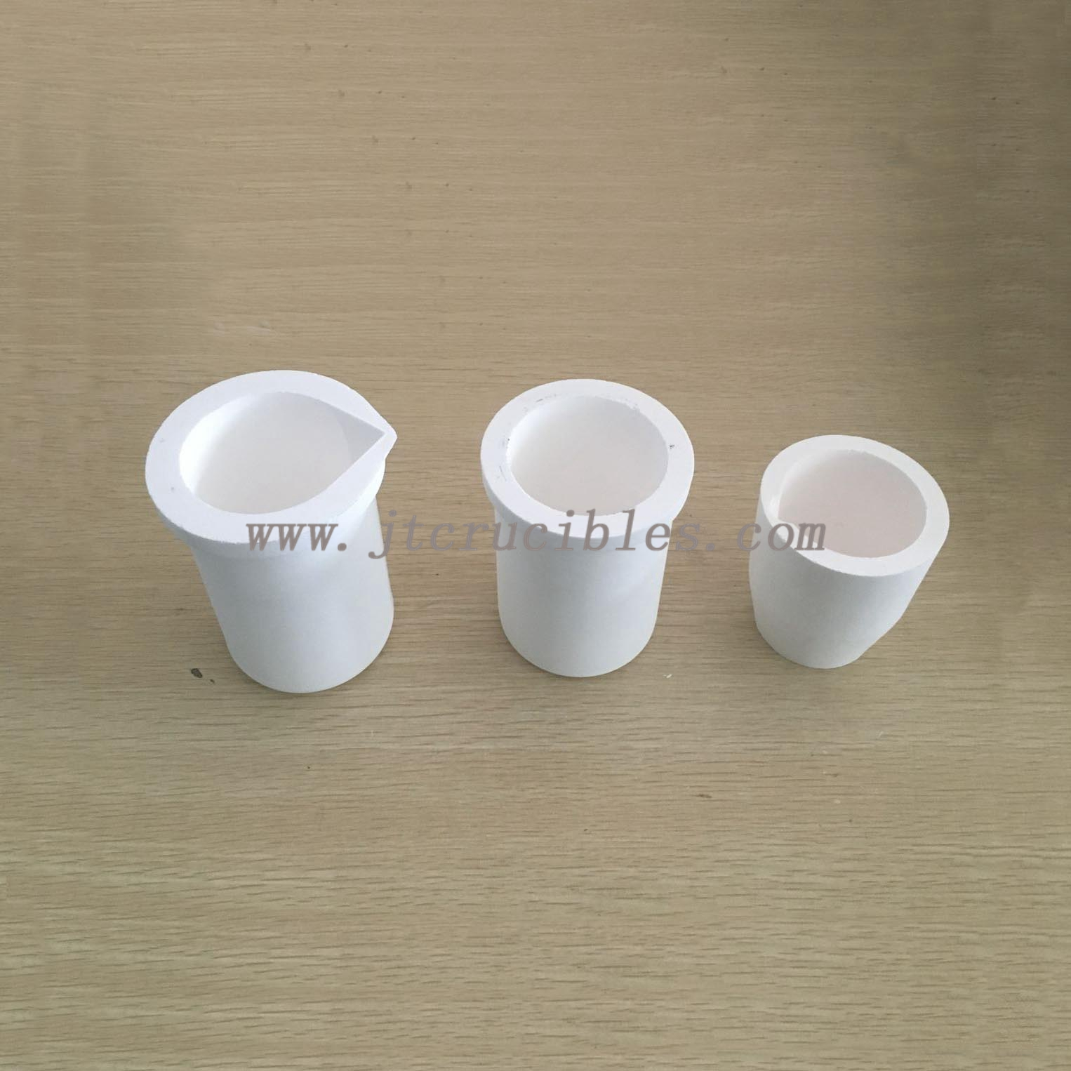 Fused silica crucibles for jewelry casting