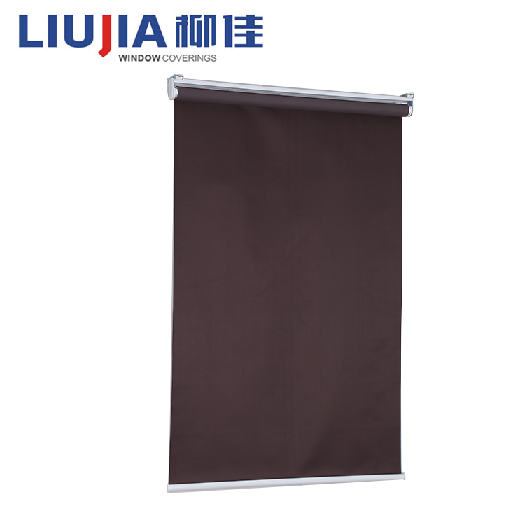 Manual 25mm roller blinds with blackout daylight fabric