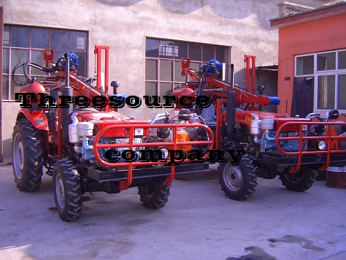 Tractor drilling rig for oil prospecting