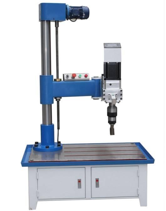 high precision servo tapping machine