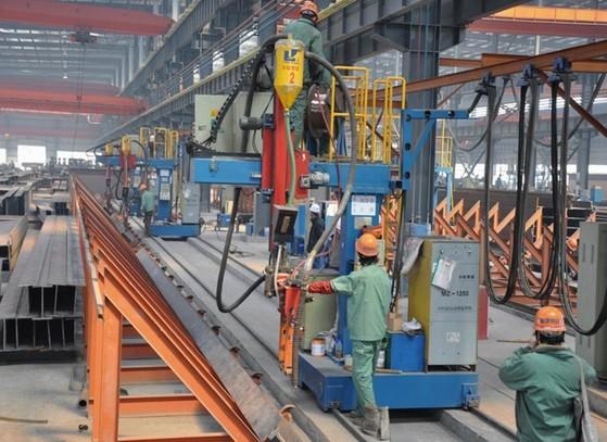 Cantilever welding machine for H beam horizontal welding