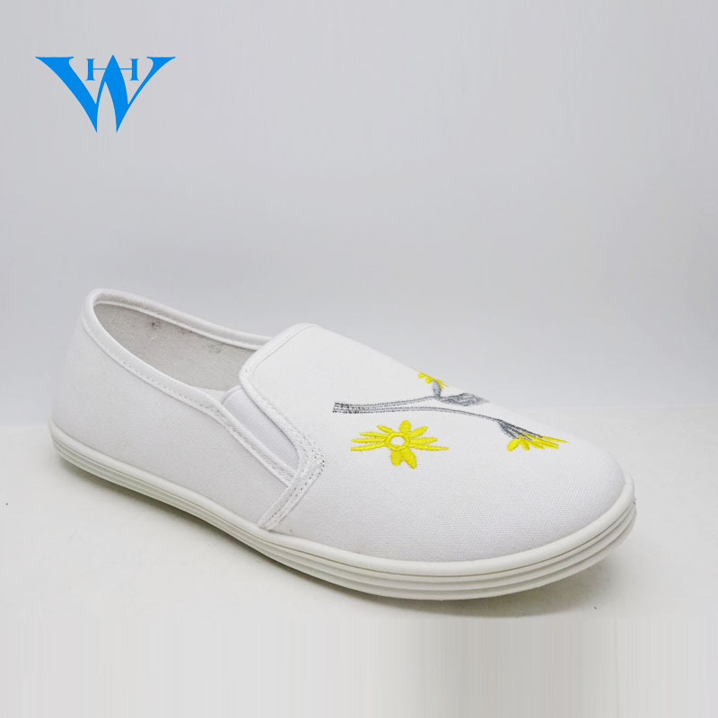 Hot sale white slip on shoes women's canvas shoes with flowers