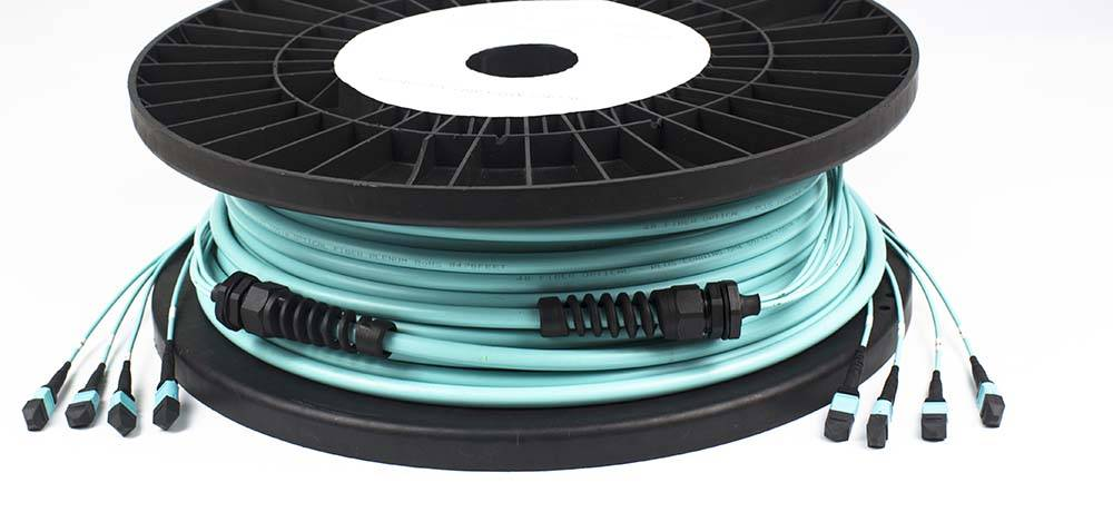 100Gb/s 24Fiber MTP trunk cable in data centers