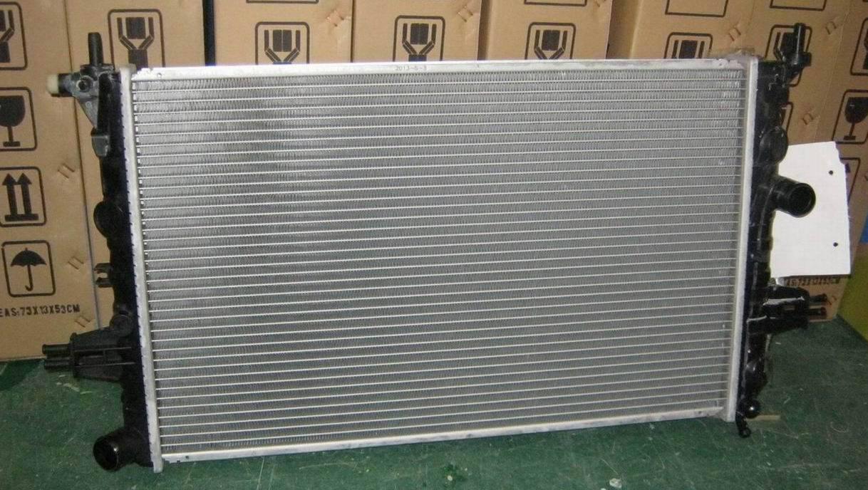 Opel Astra auto radiator 1300196/90570728