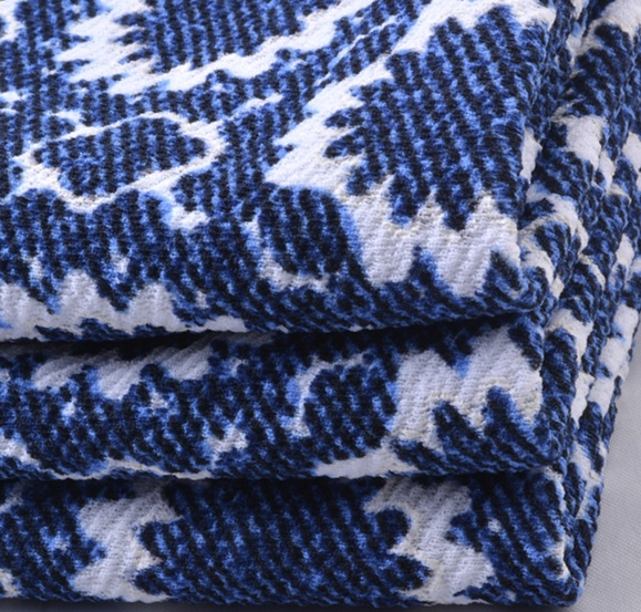 Soft handle knitted 96% polyester 4%spandex puff print jacquard fabric