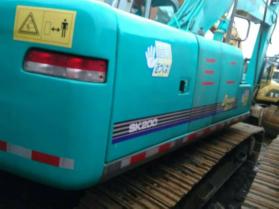 Used Japan Original Kobelco SK200-3 SK200-6 Crawler Excavator
