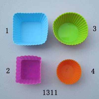 Different shapes of silicone plastic cake molds