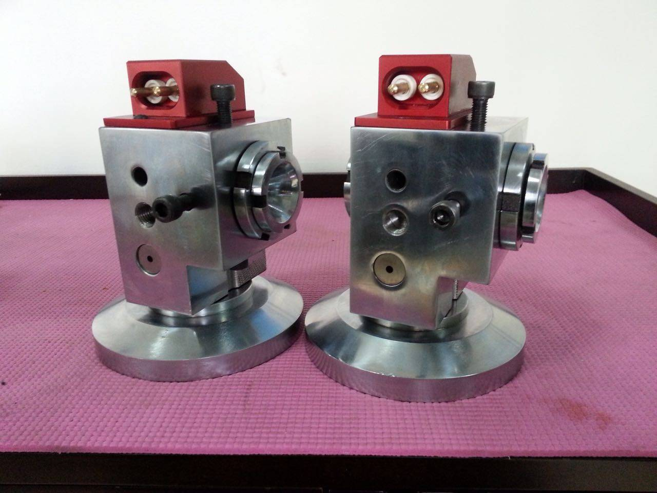 fine-tuning adjustable wire extrusion crosshead