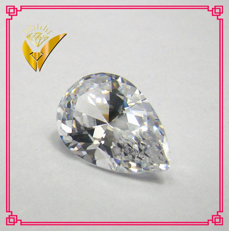 Machine cut white pear shaped zirconia stone