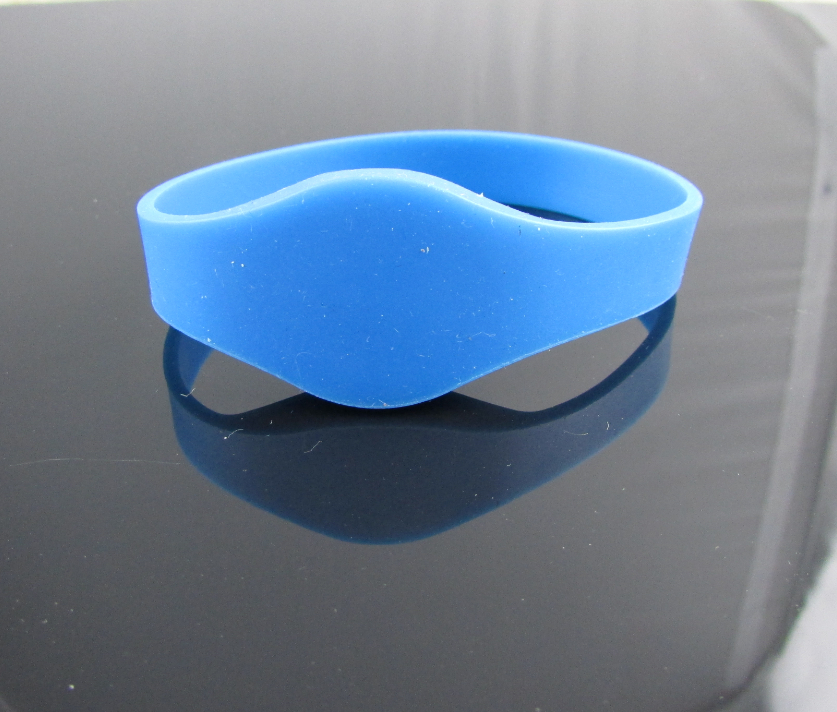 13.56MHz HF rfid silicone wristbands for swimming pool