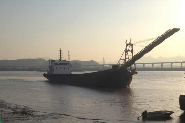 2100T sand barge