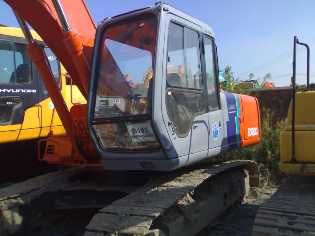 Used Crawler Excavator Hitachi EX200-2
