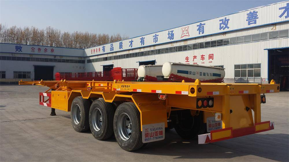 Hot !40ft container semi trailer with 3 axle fuwa axle