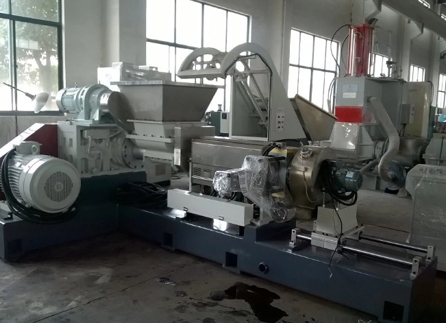 Biodegradable starch plastic raw material granule compounding making machine