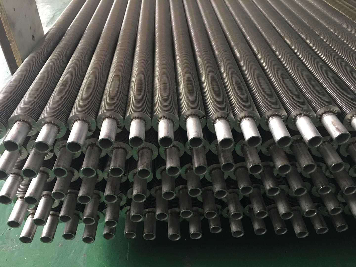 Laser welded finned tubes