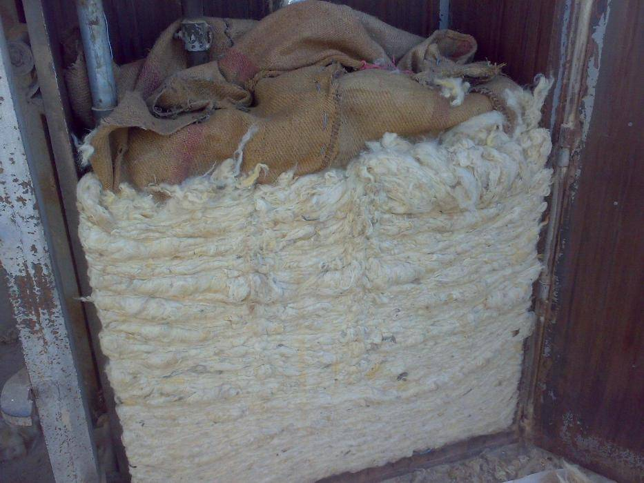 Selling all types of raw wool