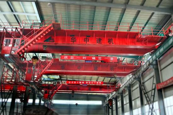double girder overhead crane in workshop