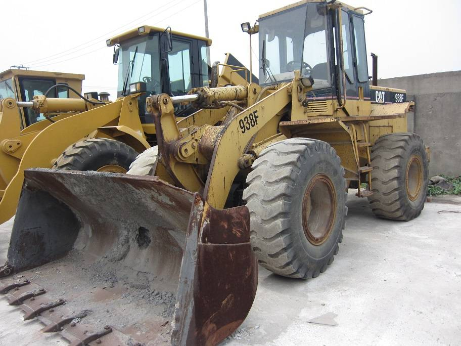 used cat loader 938f