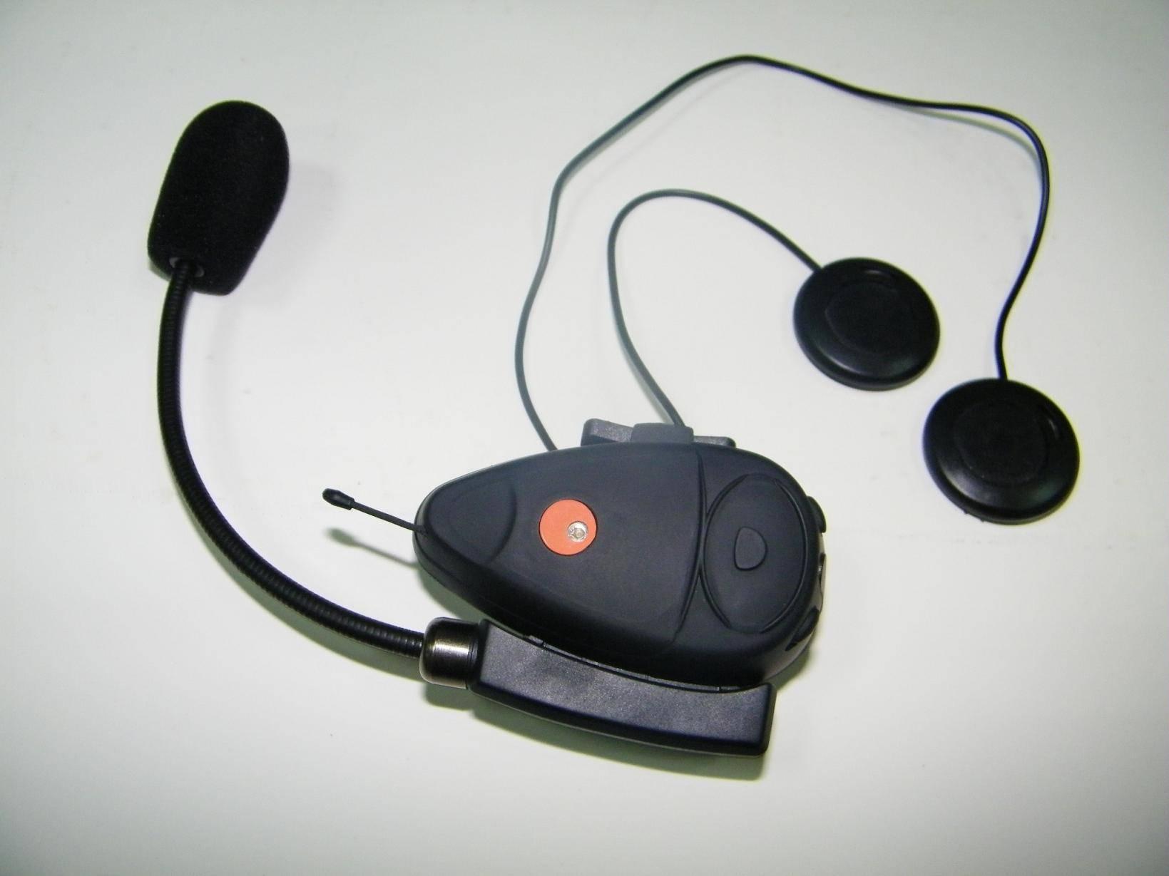 Wireless Bluetooth Intercom Motorcycle Helmet Headset Communicator(Embedded FM Radio) BT-9802