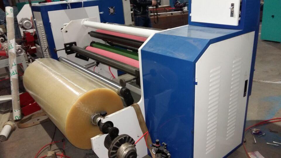 Adhesive tapes automatic rewinder mchine