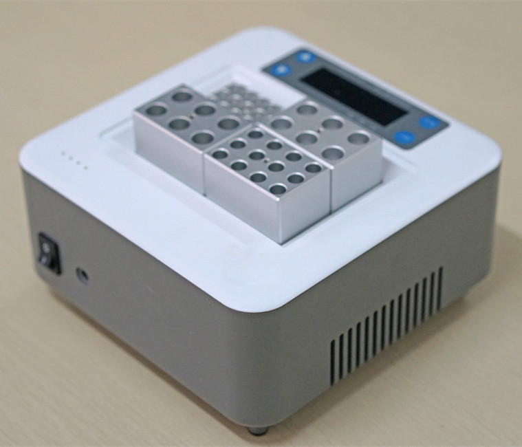 Dry Bath Incubator for medical & laboratory process