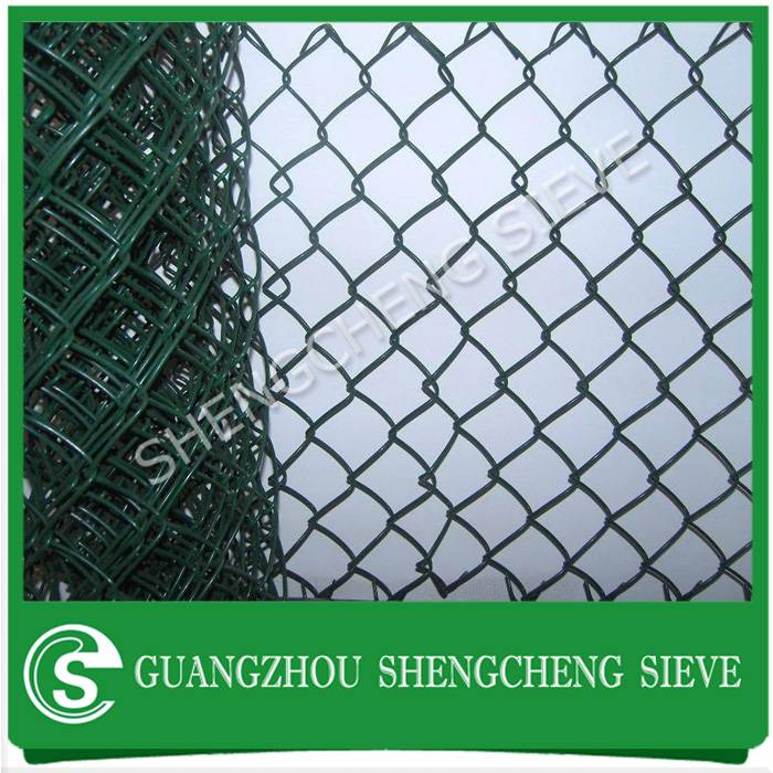 Cheap price cyclone wire fencing rolls cyclone wire mesh philippines