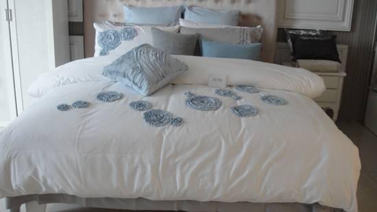 100% Cotton Embroidery Design Duvet Set