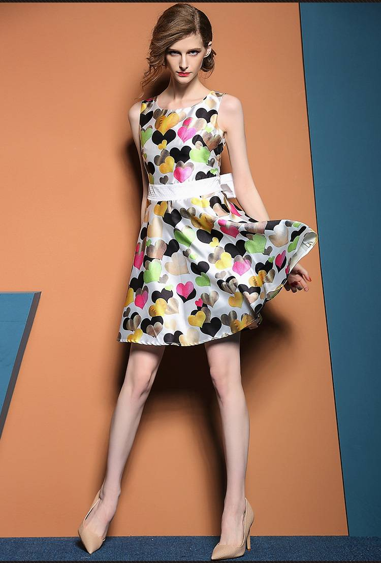 2015 alibaba hot sale print heart sleeveless puff dress for ladies