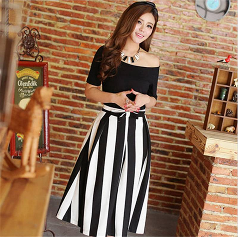 Twinset Dress Slash-neck Strapless T-shirt + Black White Striped Dress Two Pieces