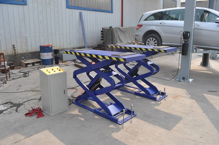 Ground-hiding Scissor Lift