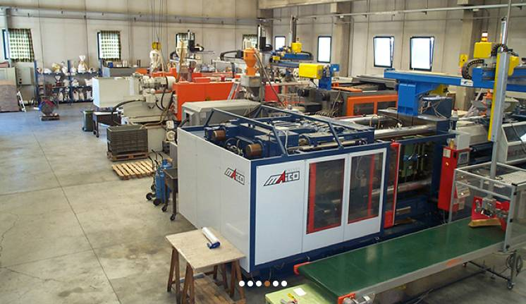 Plastic Molding Services - Plastic Injection Moulding