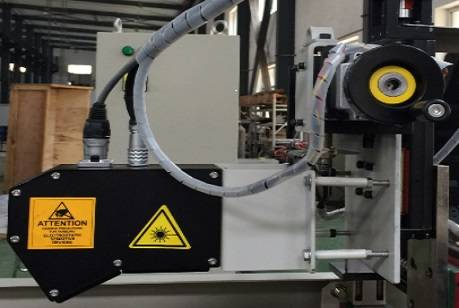 Laser welding seam tracking system