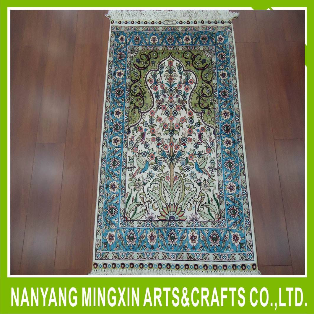 Classical style hand knotted silk rug